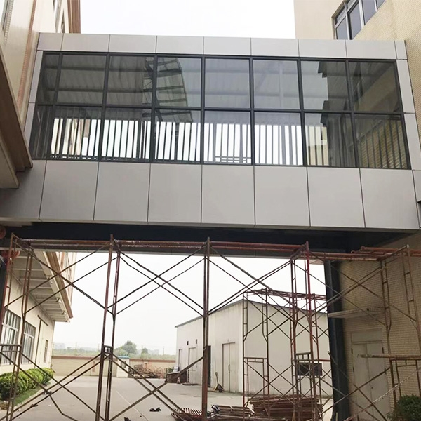 钢结构玻璃走廊